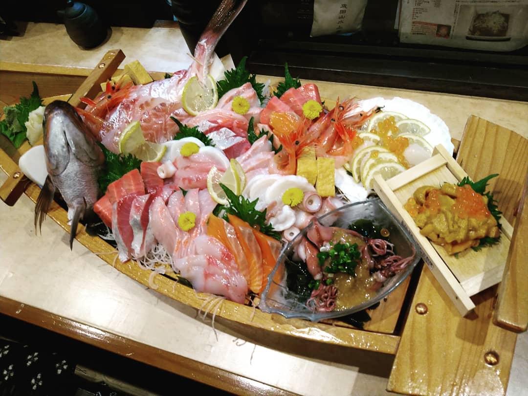 舟盛りやってます♪ 希望のお魚が有りましたら注文の際にお伝え下さい!  希望の魚がある場合は一週間前に お任せの場合は 2・3日前にご注文お願いします(_ _)  #熊谷テイクアウト #お宮参り 0485774062 バイト募集!
